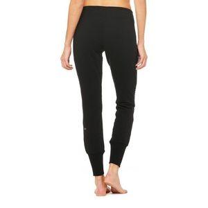 ALO Yoga Pants - Alo Yoga urban motto sweatpant🎩